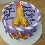 Short-stubby-hair-modest-Wanker-on-tiny-tot-cake