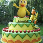 Childrens-Giant-cartoon-pop-out-cartoon-giant-cake-33