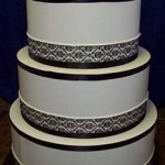 Sleek-traditional-New-york-Black-and-white-popout-giant-cake-35
